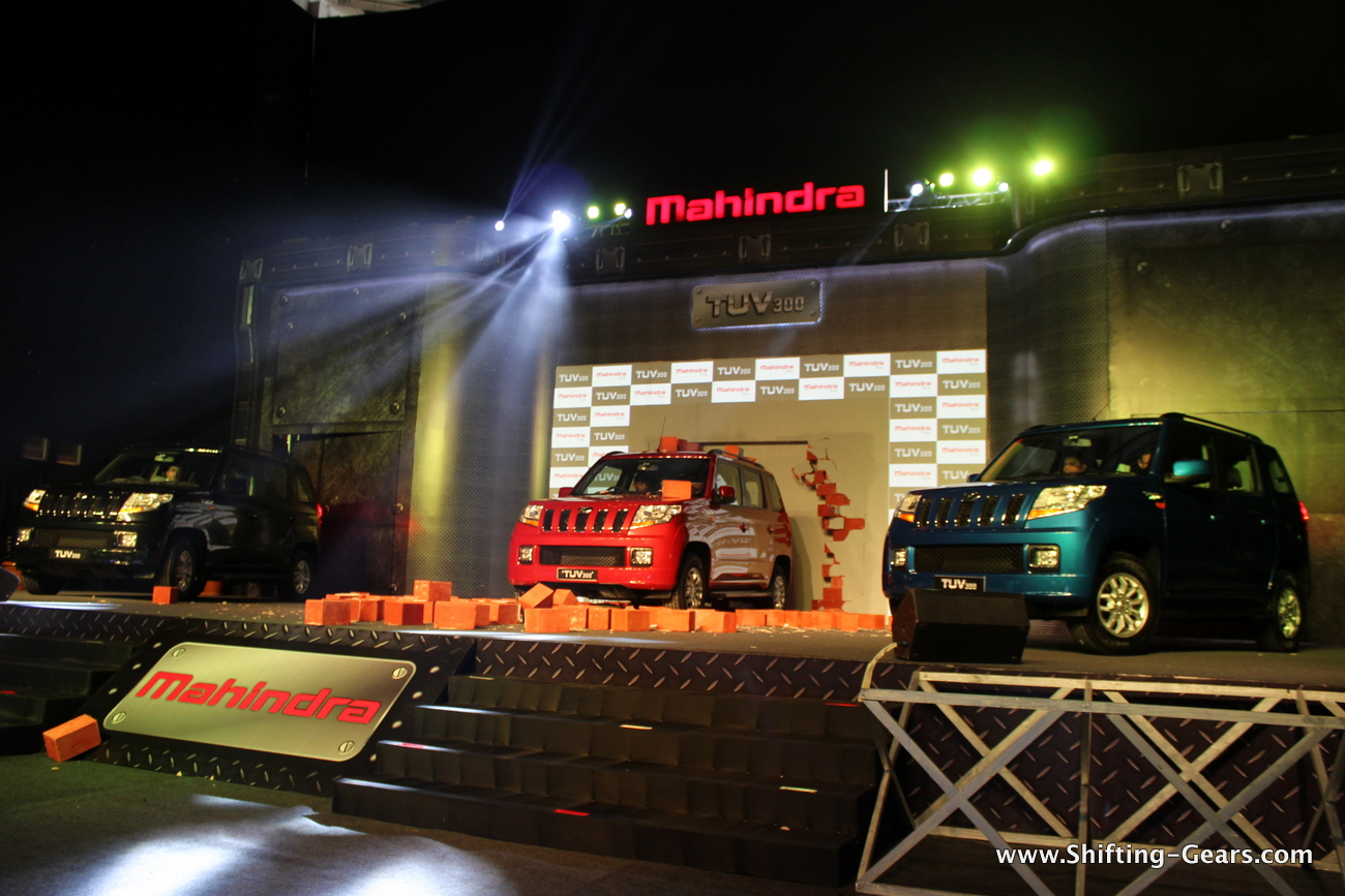 2015-mahindra-tuv300-02