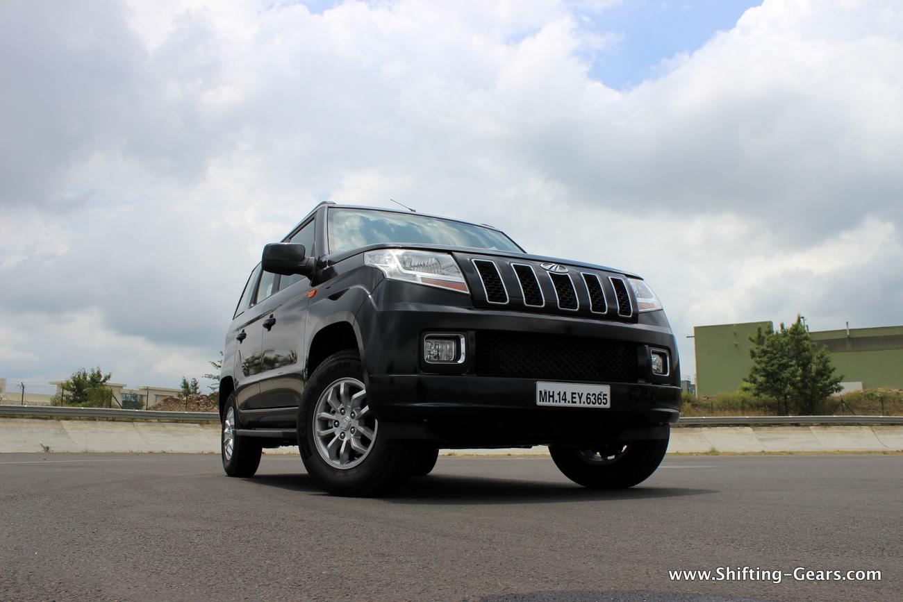 2015-mahindra-tuv300-10