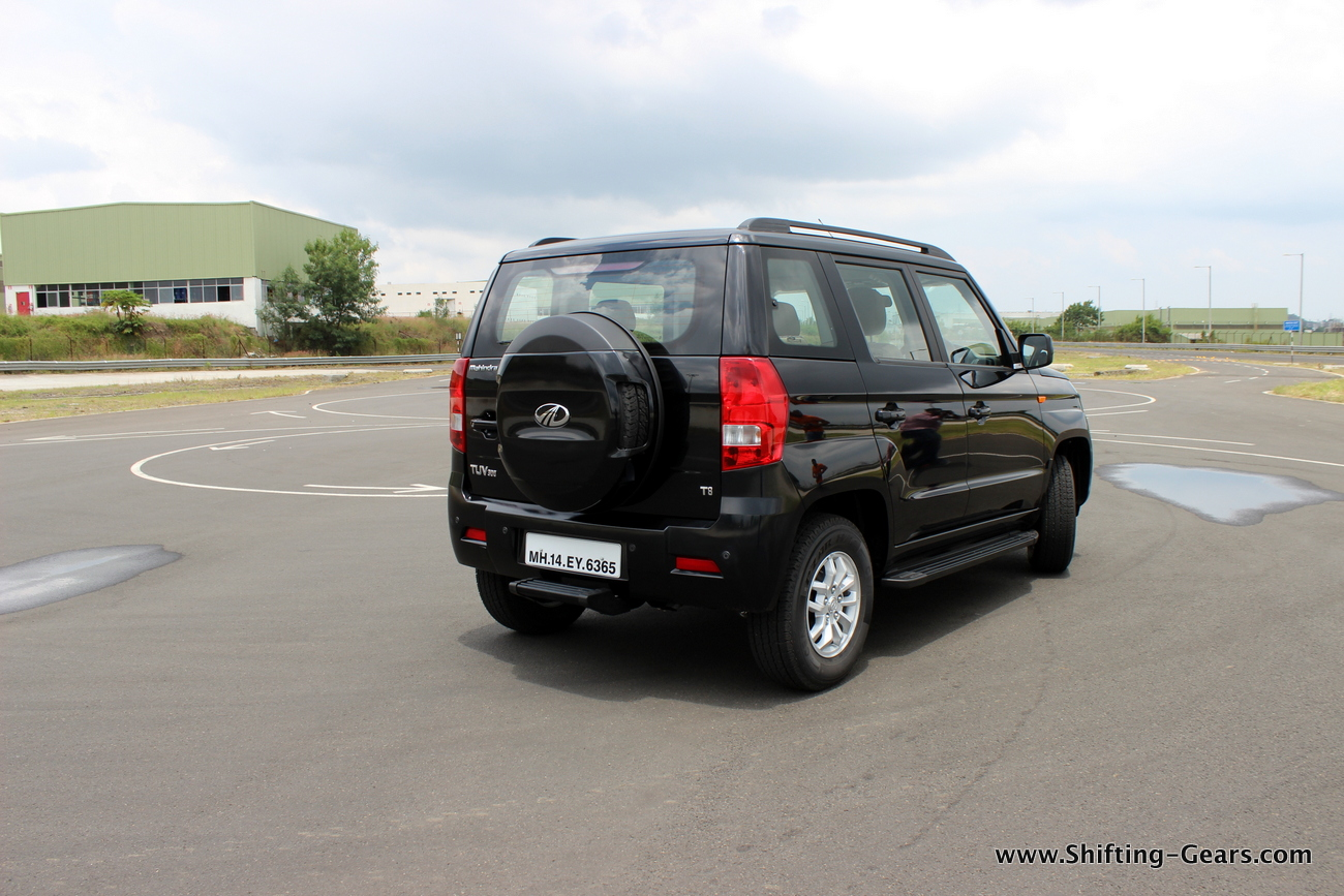 2015-mahindra-tuv300-16