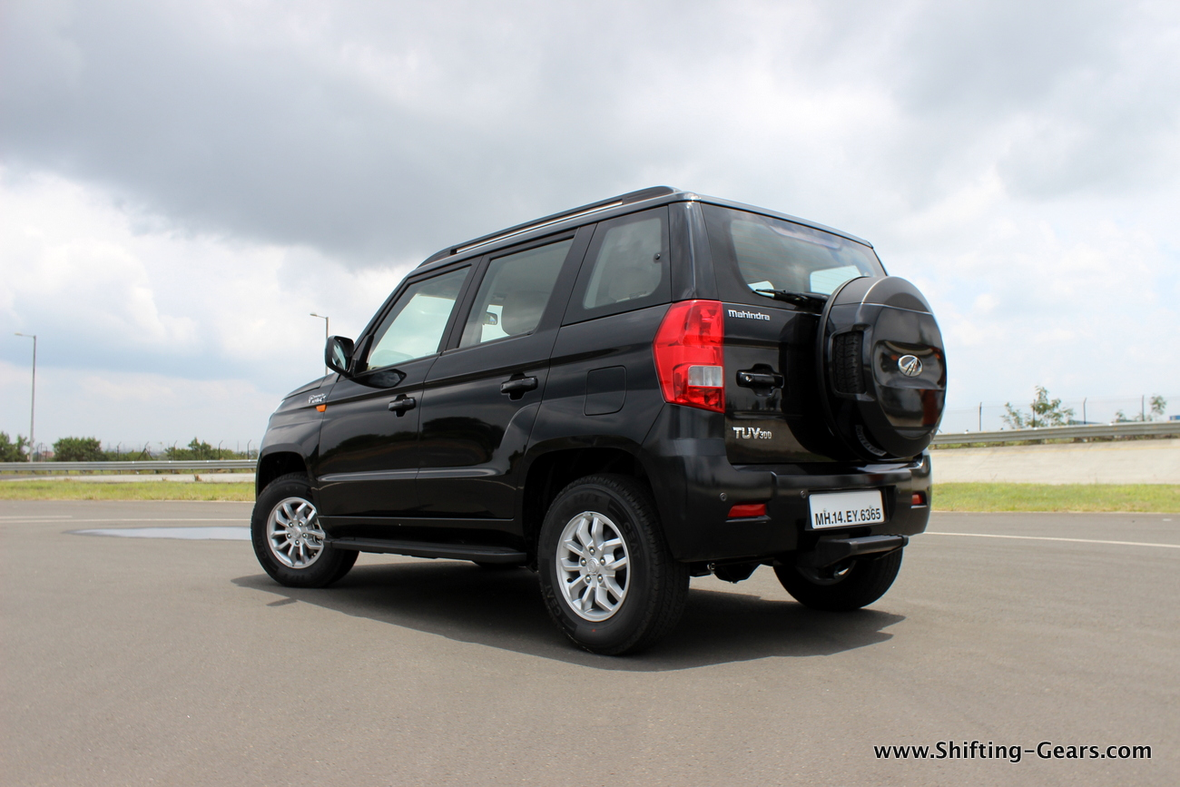 2015-mahindra-tuv300-20