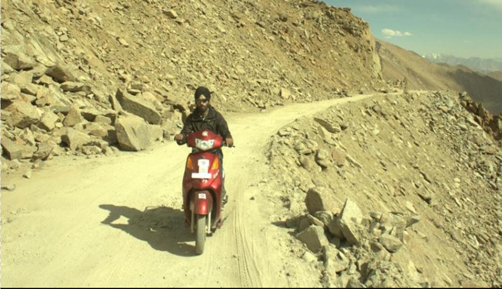 Electric Bike Journey to Khardung La (18000 ft+)