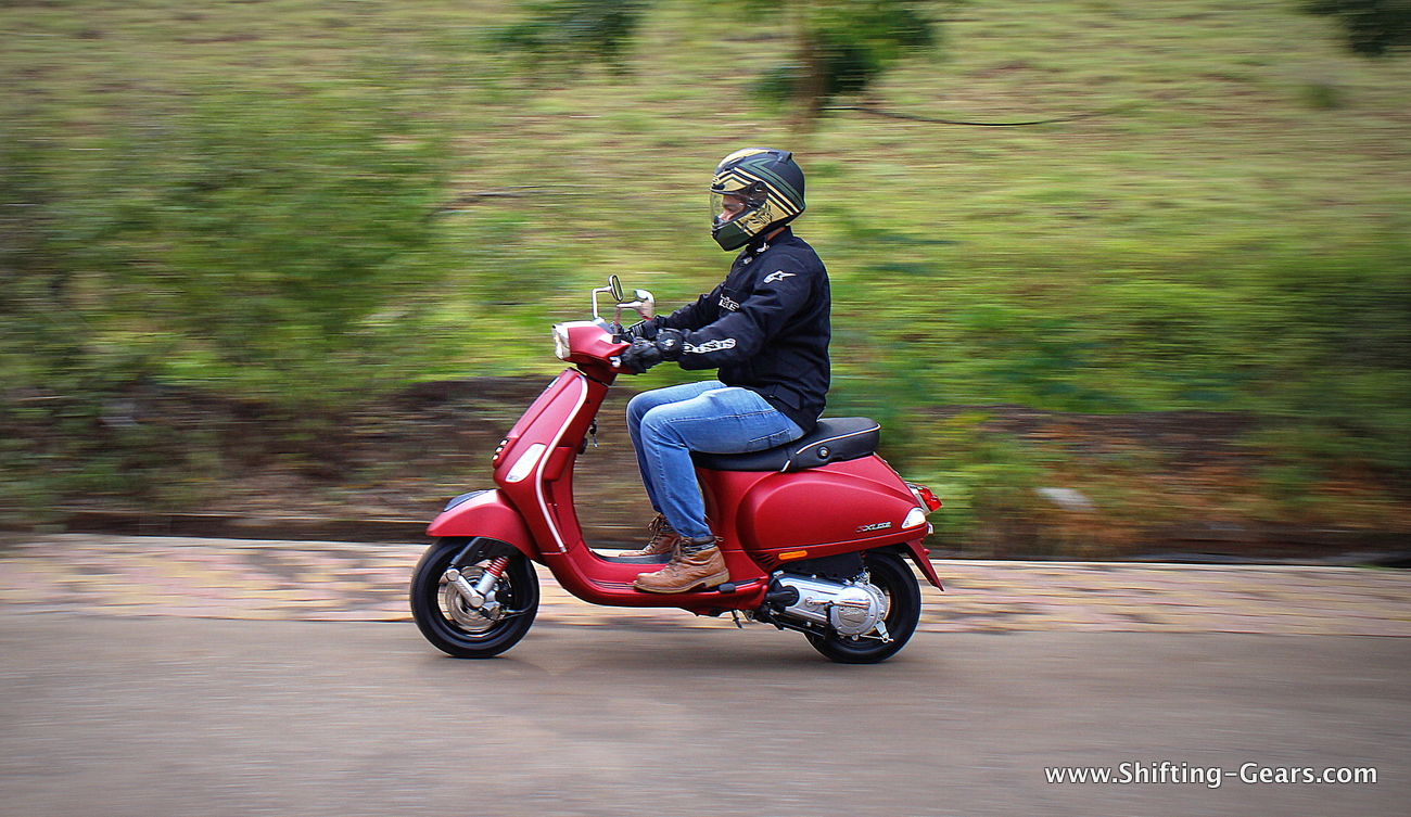 Piaggio Vespa VXL / SXL 150 photo gallery