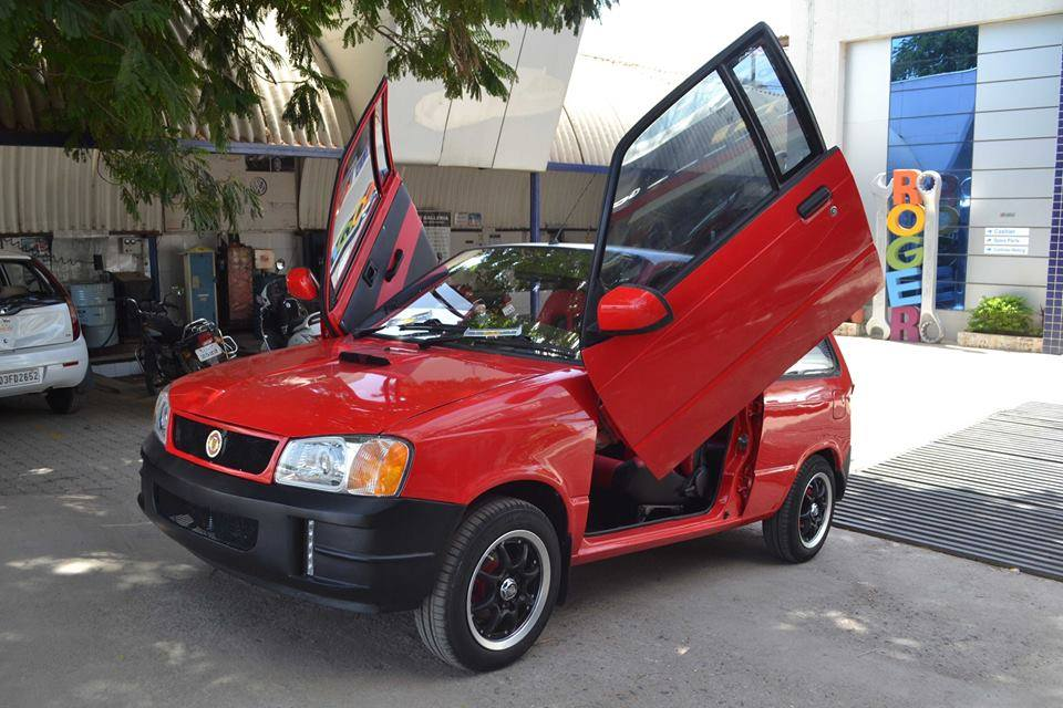 Modified Maruti 800 with scissor doors!