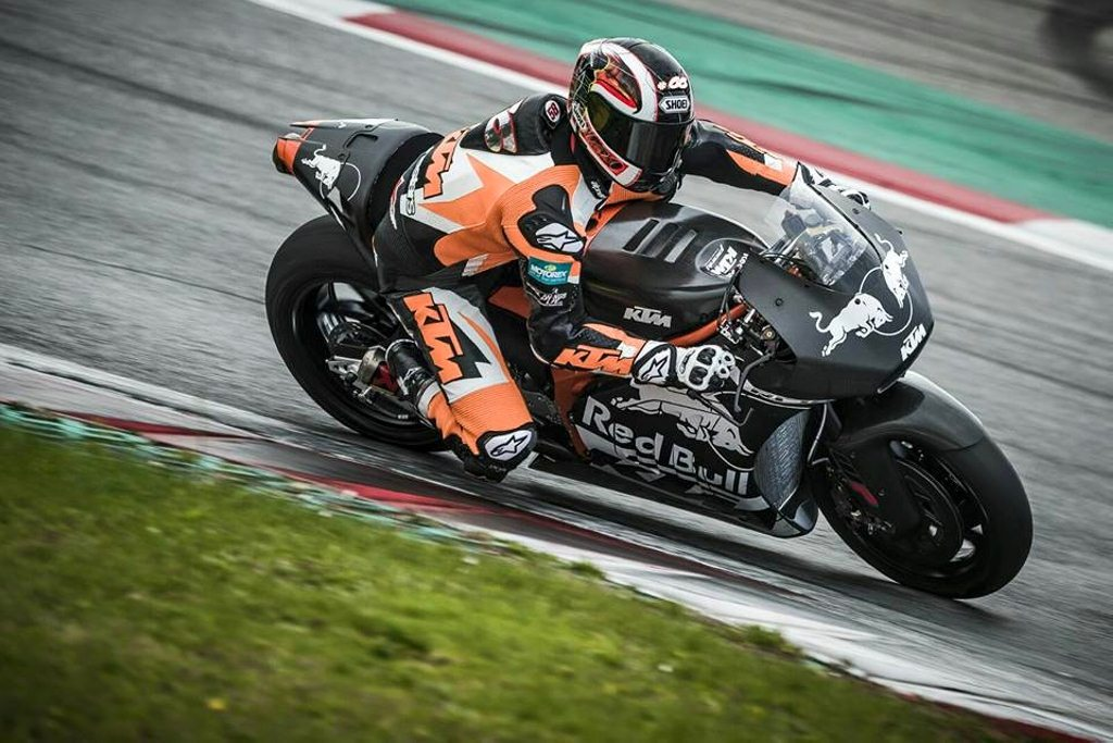 KTM's RC16 in action