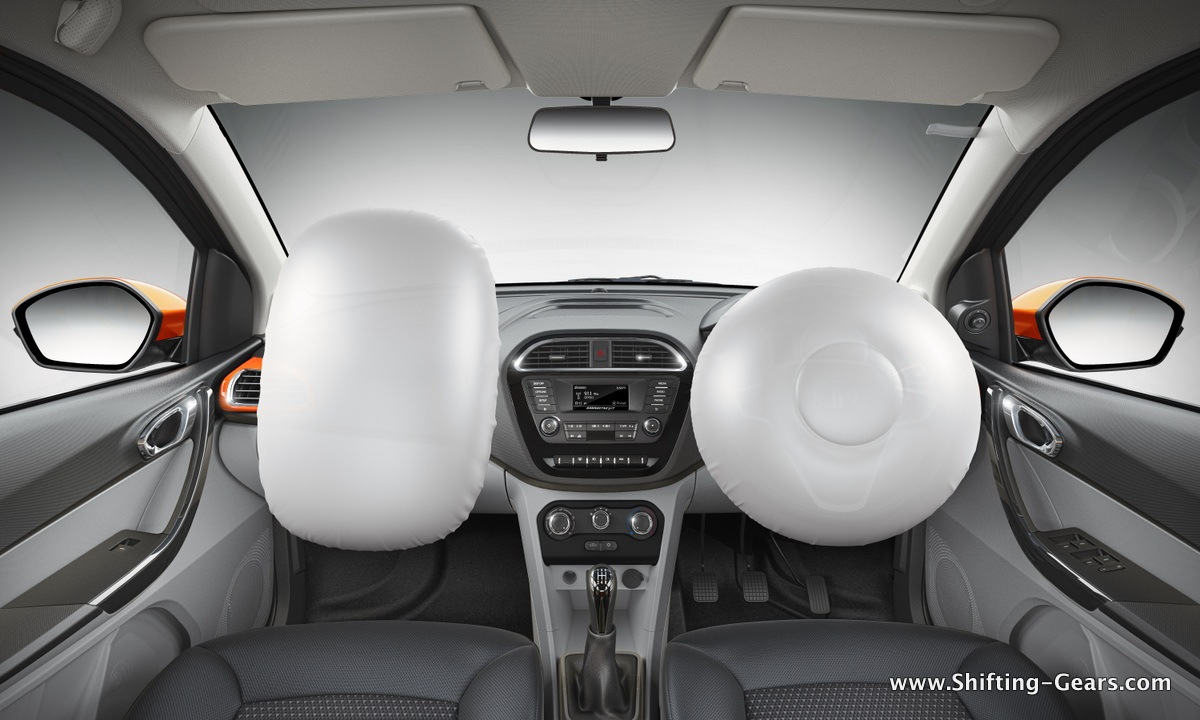 16-Image 10 Front dashboard shot with airbags