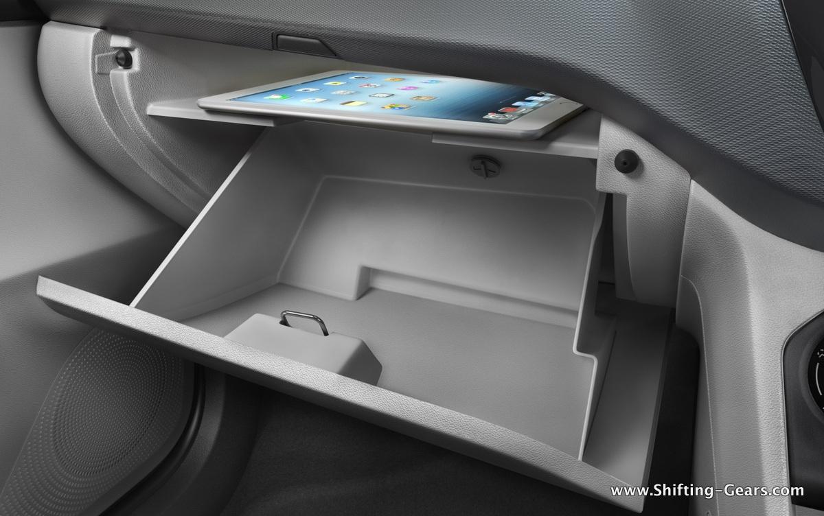 23-Image 4 Gove box top compartment