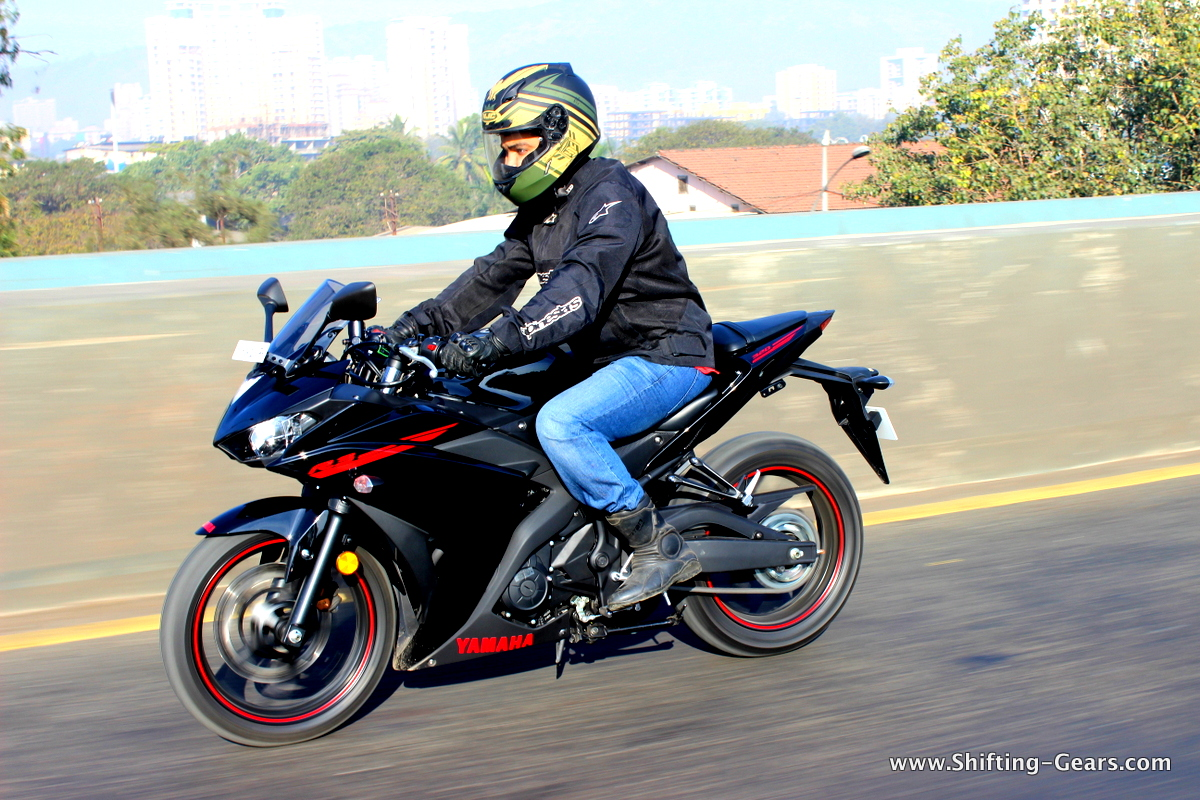 yamaha yzf r3 photo gallery shifting gears. Black Bedroom Furniture Sets. Home Design Ideas