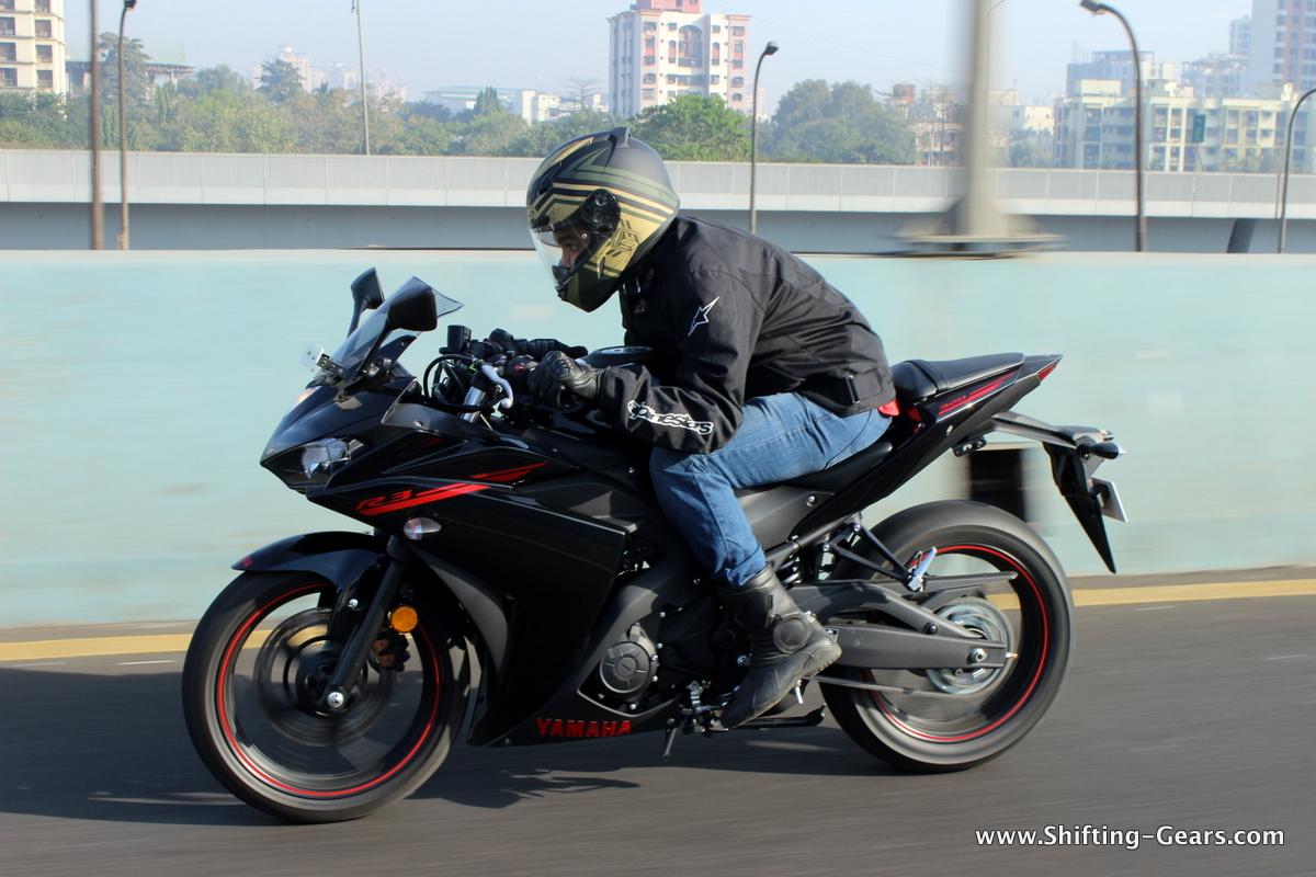 Yamaha YZF-R3 photo gallery
