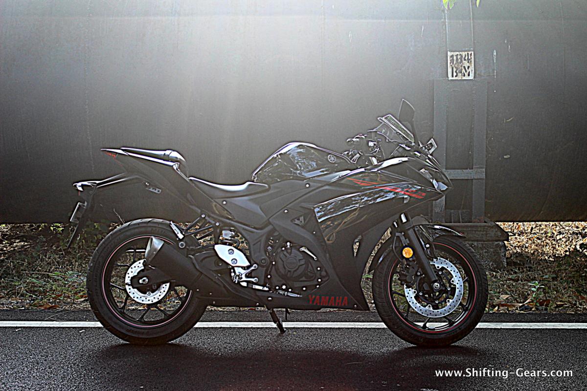 Yamaha-yzf-r3-11