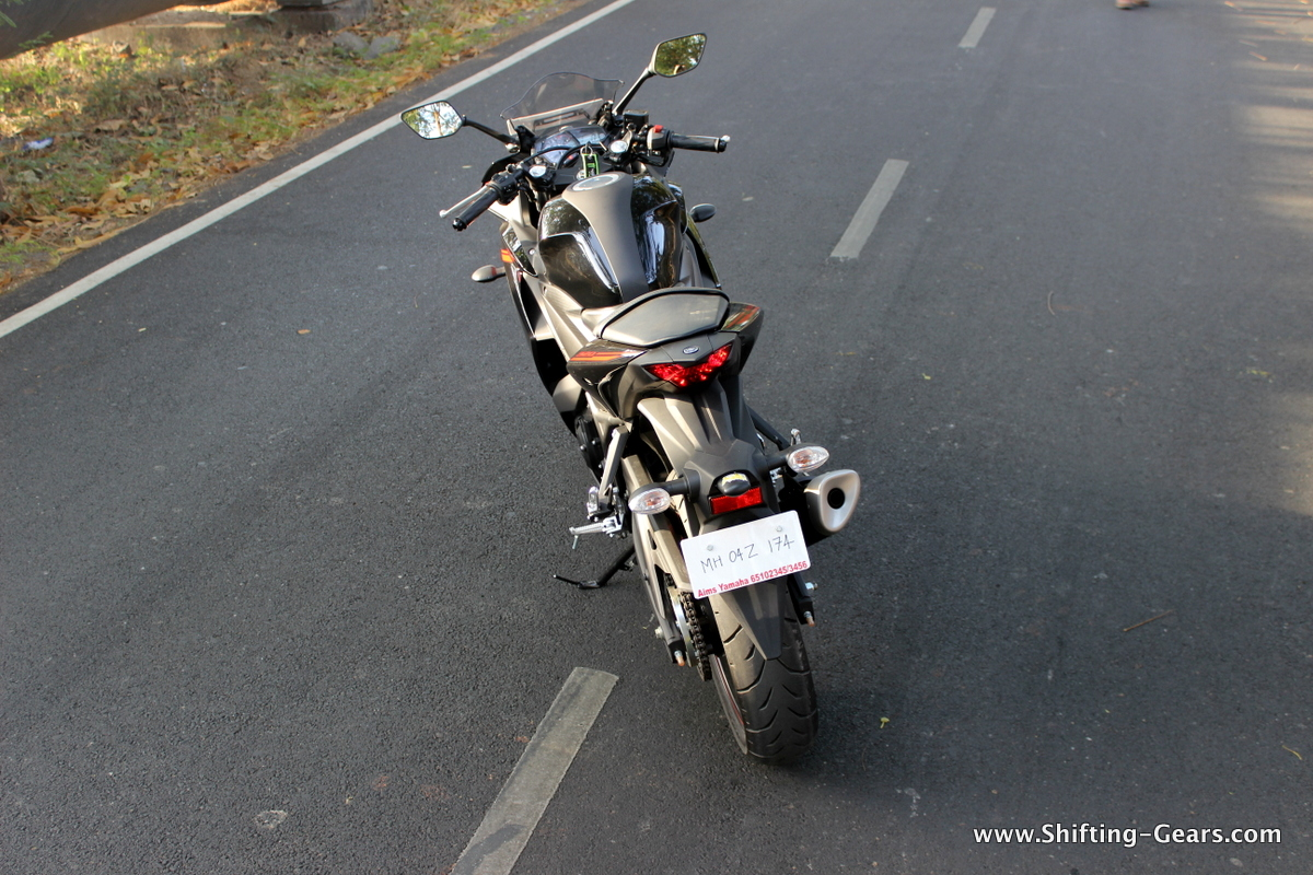 Yamaha-yzf-r3-13