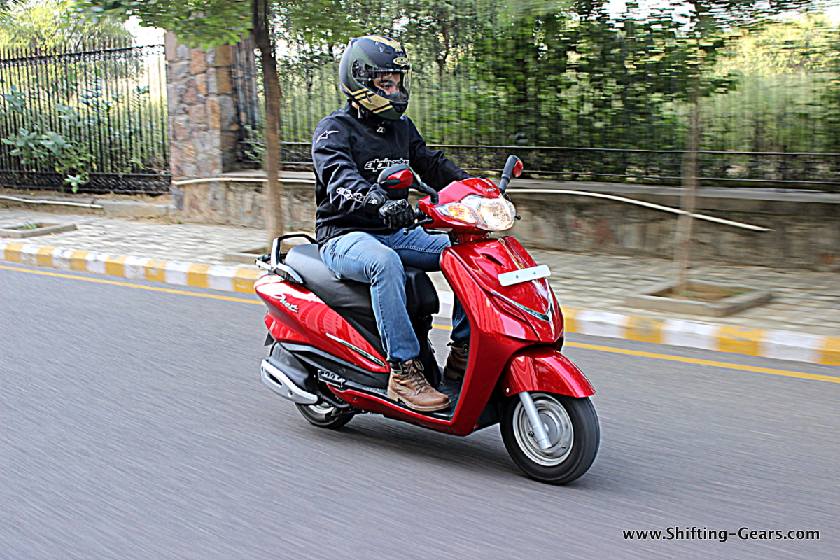 Hero MotoCorp Duet photo gallery