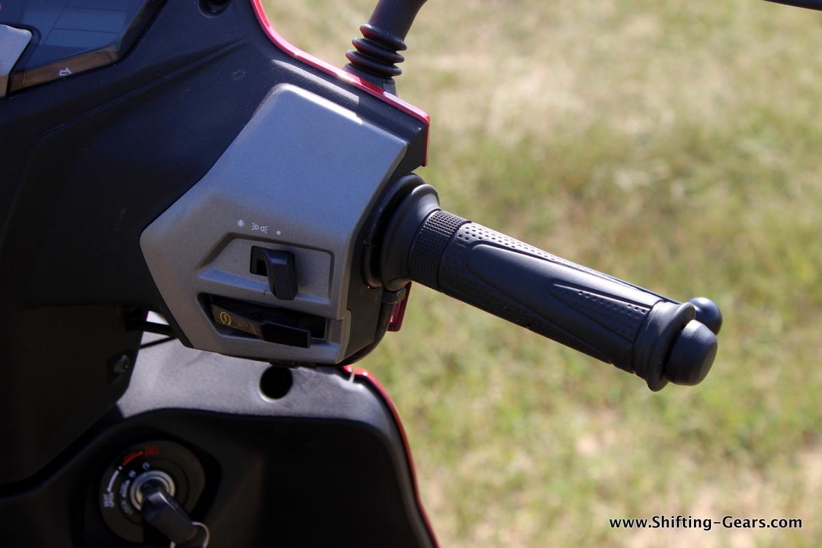 hero-motocorp-maestro-edge-review-17
