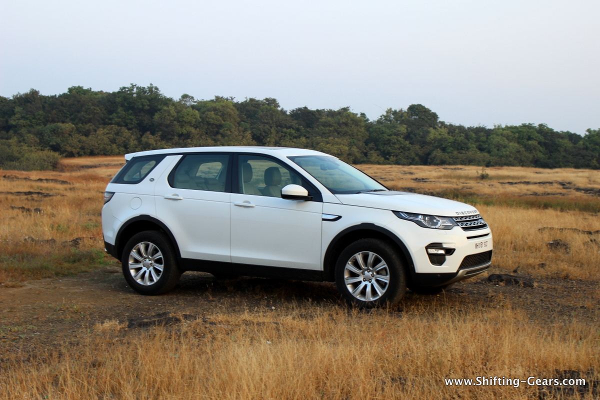land-rover-discovery-sport-review-04
