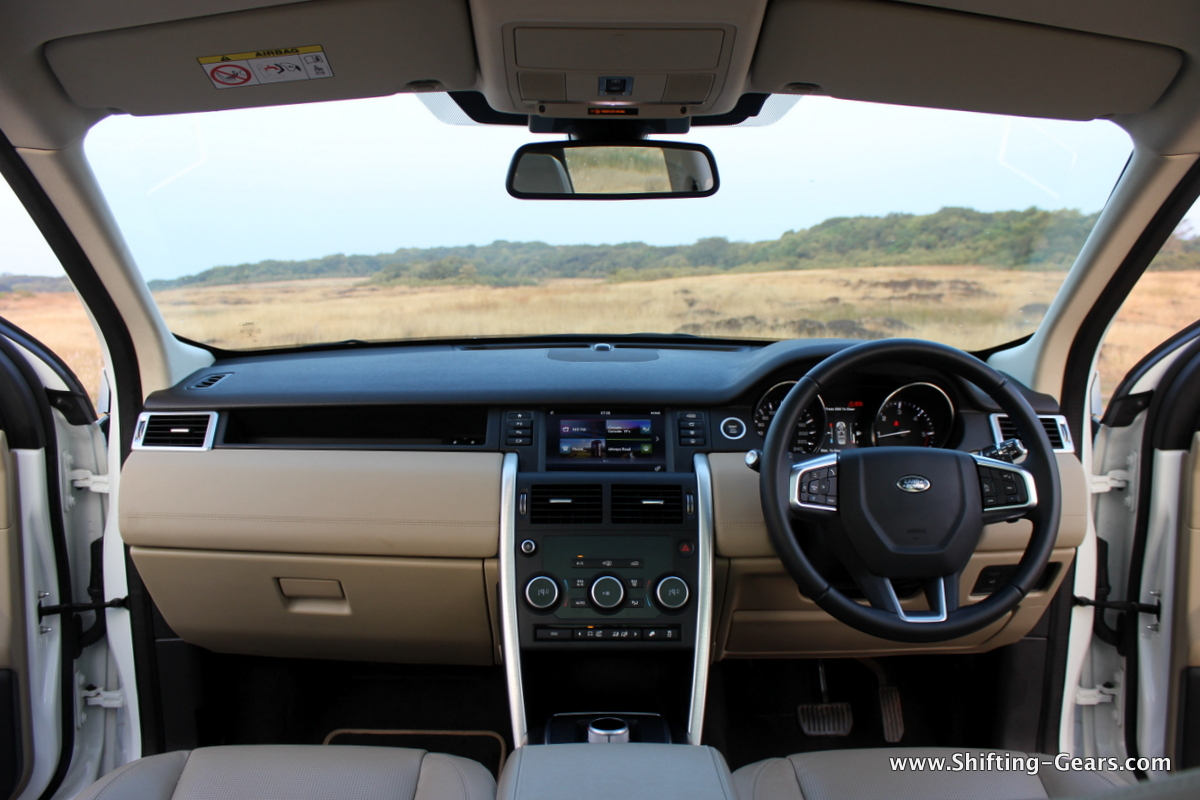 land-rover-discovery-sport-review-32