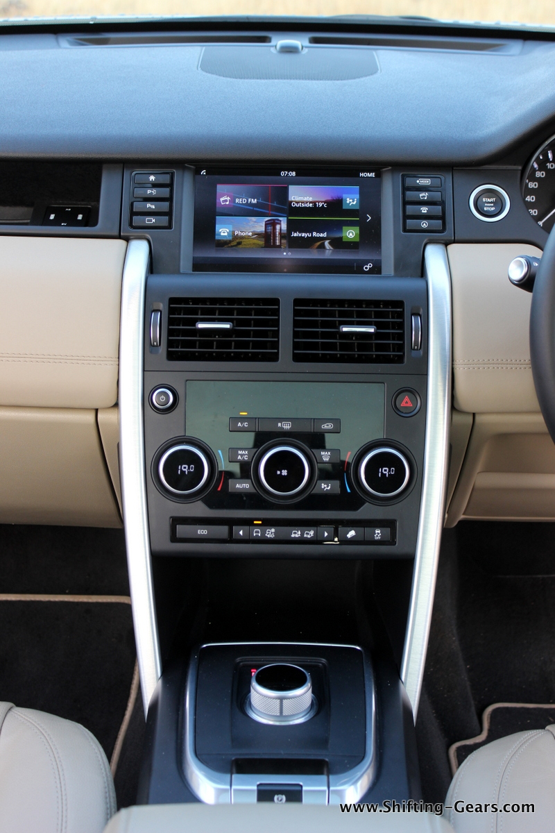 land-rover-discovery-sport-review-41