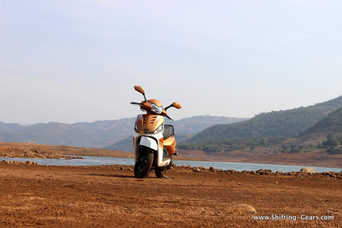 mahindra-gusto-125-scooter-02