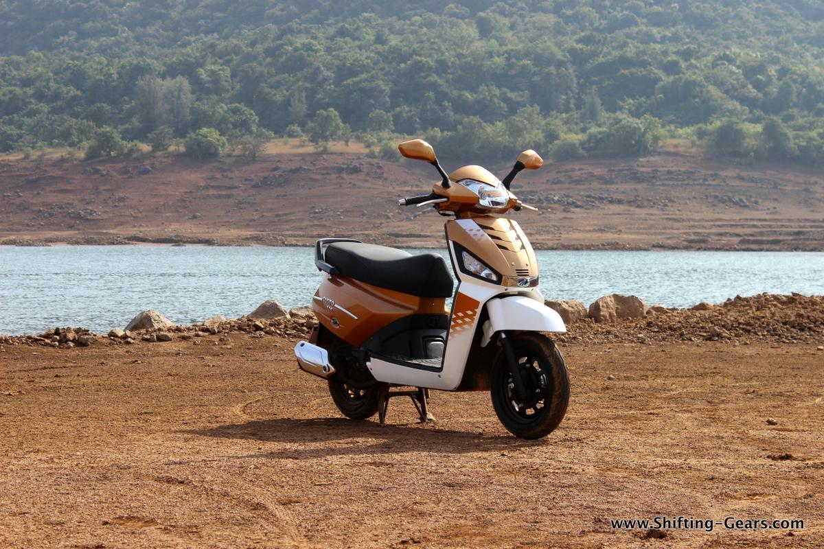 mahindra-gusto-125-scooter-03