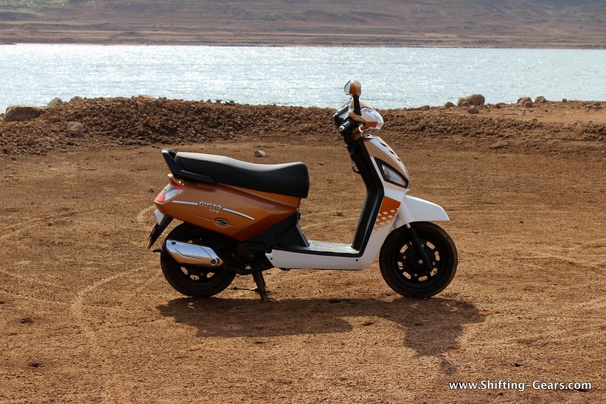 mahindra-gusto-125-scooter-04