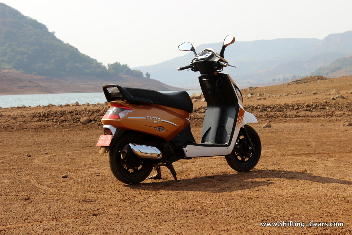 mahindra-gusto-125-scooter-05