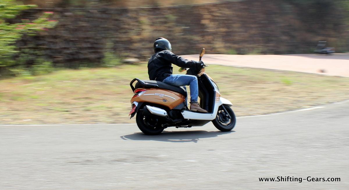 mahindra-gusto-125-scooter-08