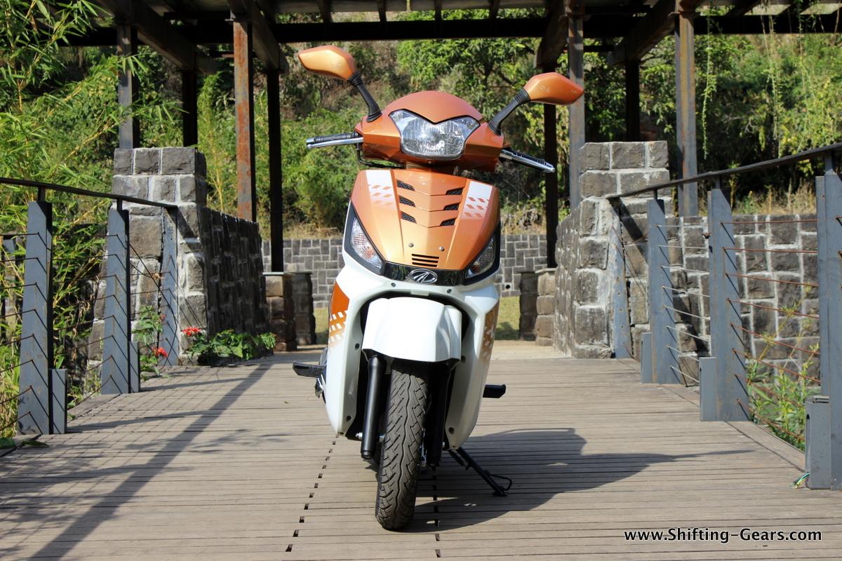 mahindra-gusto-125-scooter-11