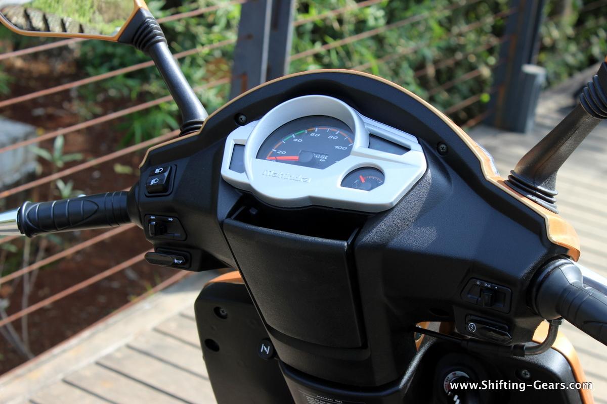 mahindra-gusto-125-scooter-18