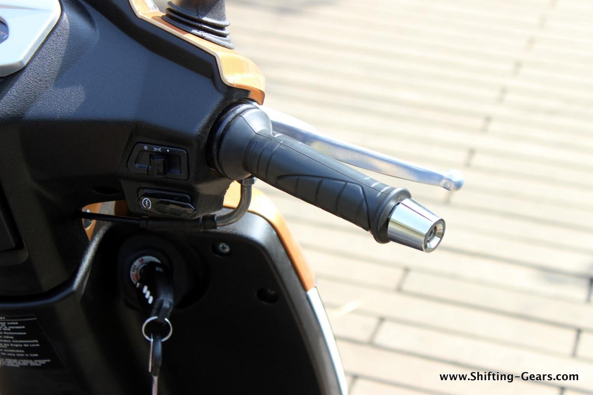 mahindra-gusto-125-scooter-22
