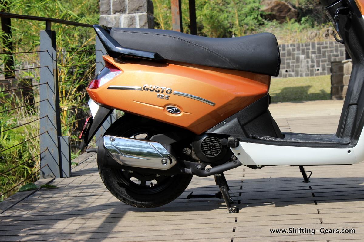 mahindra-gusto-125-scooter-26