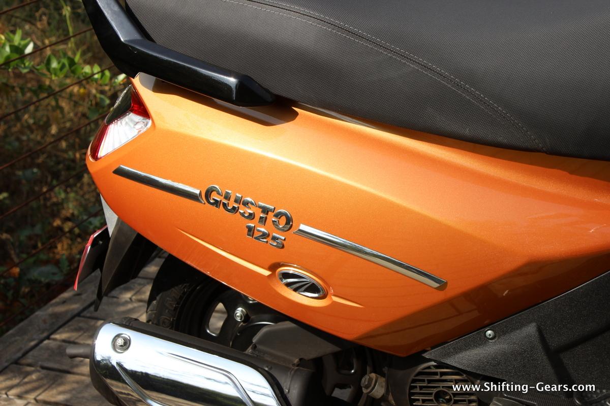 mahindra-gusto-125-scooter-30