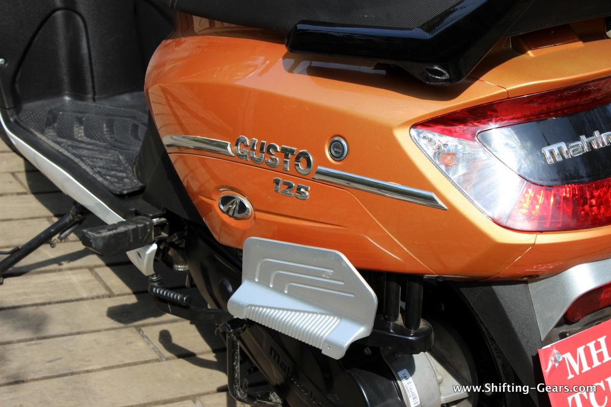 mahindra-gusto-125-scooter-31
