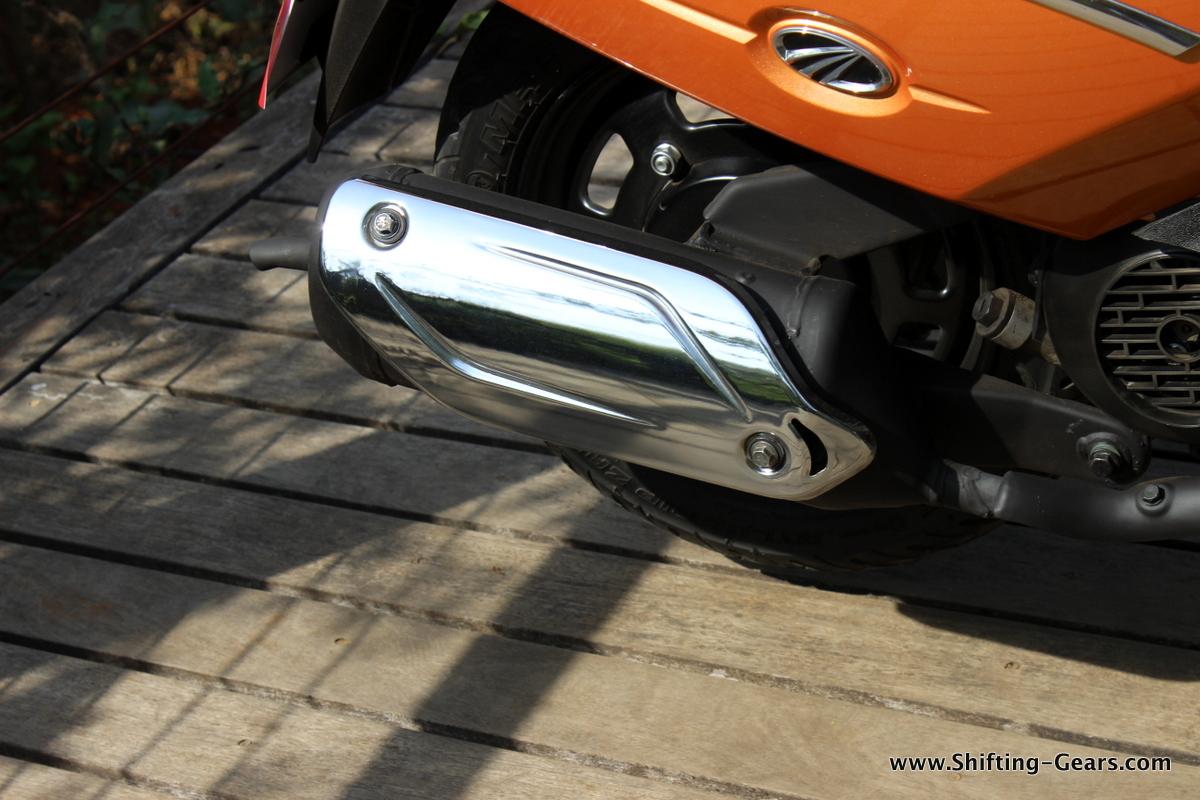 mahindra-gusto-125-scooter-32