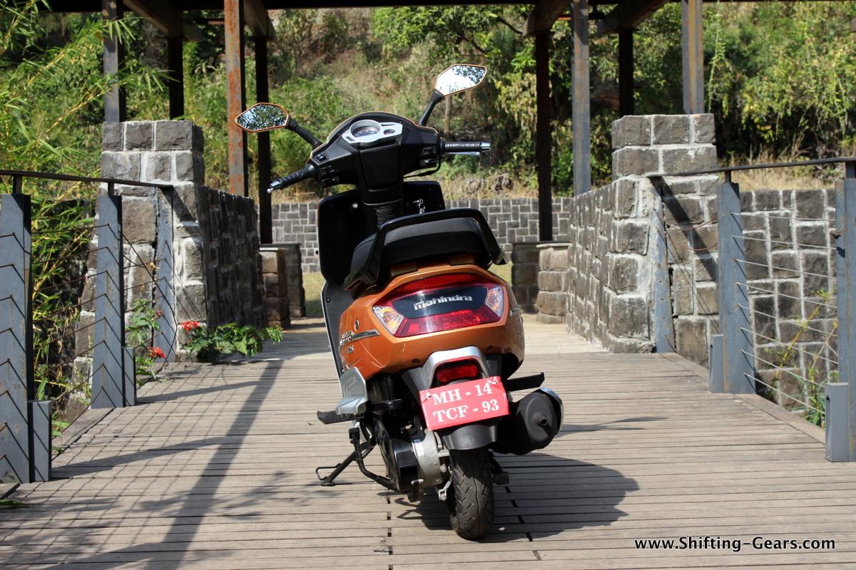 mahindra-gusto-125-scooter-33
