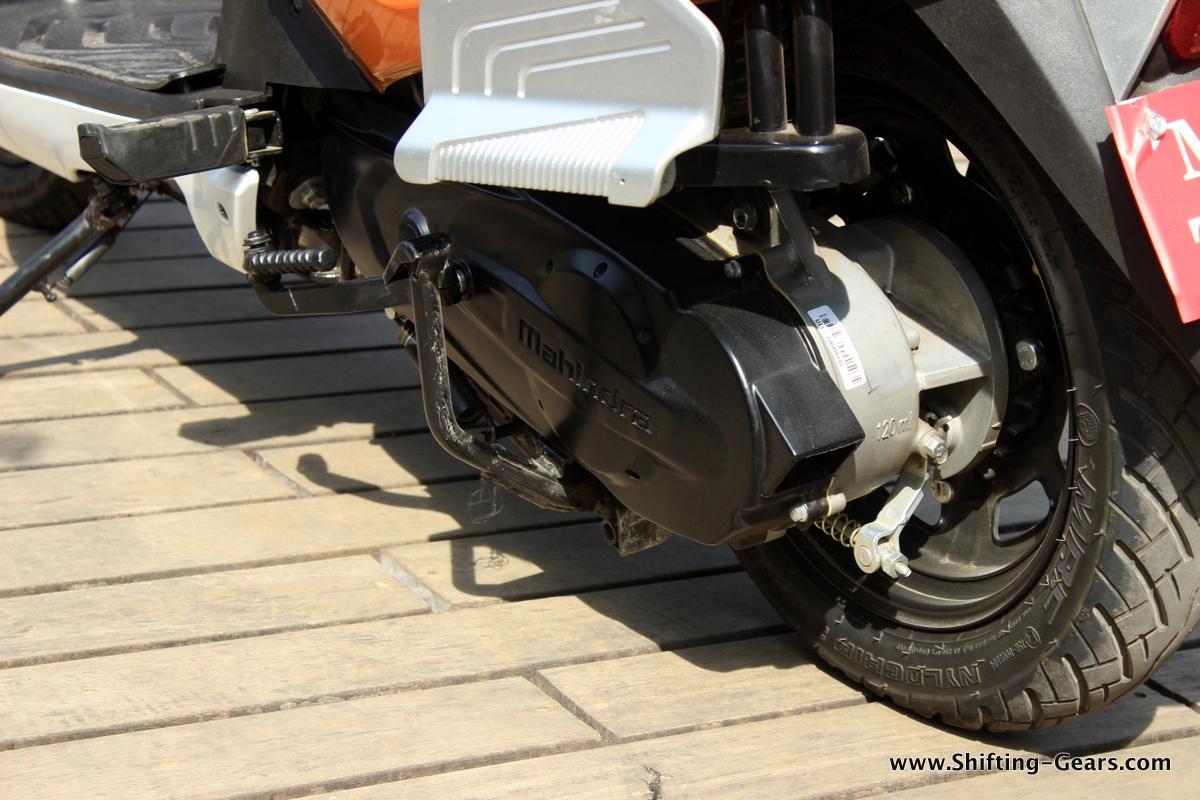 mahindra-gusto-125-scooter-35
