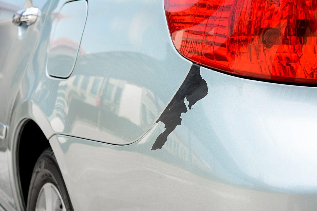 Убрать царапину на автомобиле своими руками