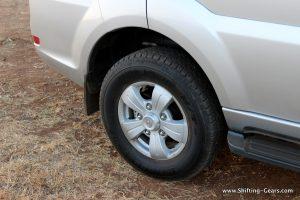 2015-tata-safari-storme-varicor-400-review-28