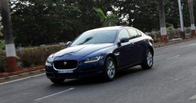 jaguar-xe-sedan-review-02