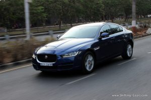 jaguar-xe-sedan-review-03