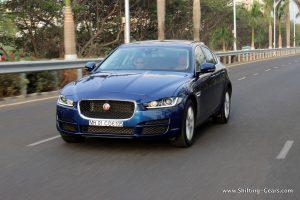 jaguar-xe-sedan-review-04