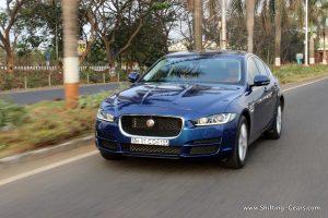 jaguar-xe-sedan-review-05
