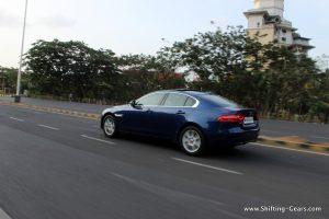 jaguar-xe-sedan-review-06