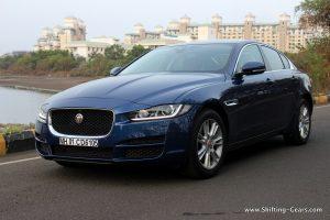jaguar-xe-sedan-review-10