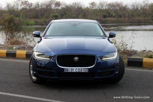 jaguar-xe-sedan-review-13