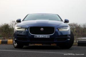 jaguar-xe-sedan-review-14