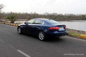 jaguar-xe-sedan-review-17