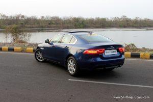 jaguar-xe-sedan-review-20