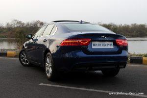 jaguar-xe-sedan-review-21