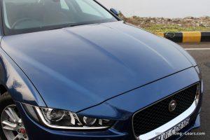 jaguar-xe-sedan-review-26