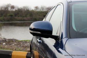 jaguar-xe-sedan-review-38