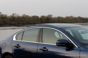 jaguar-xe-sedan-review-43