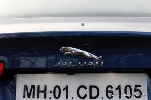 jaguar-xe-sedan-review-50